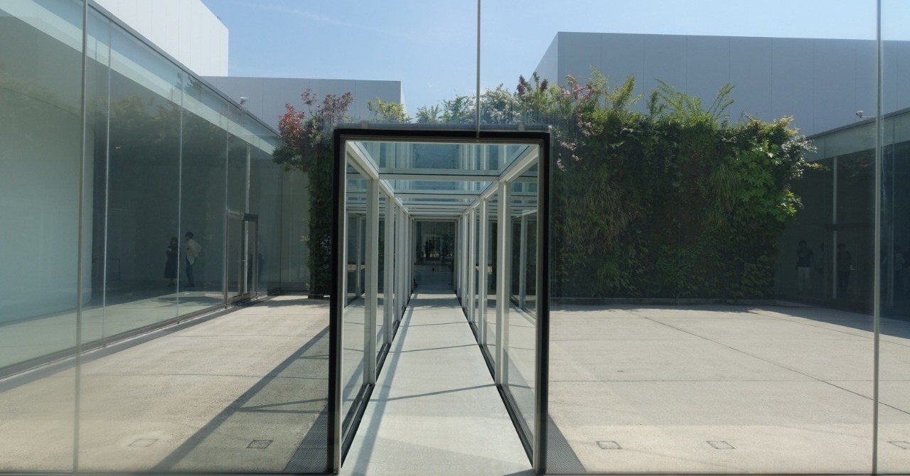 名和晃平「FOAM展」は一期一会のアート空間だった(ArtSticker現場レポ#1)|The Chain Museum
