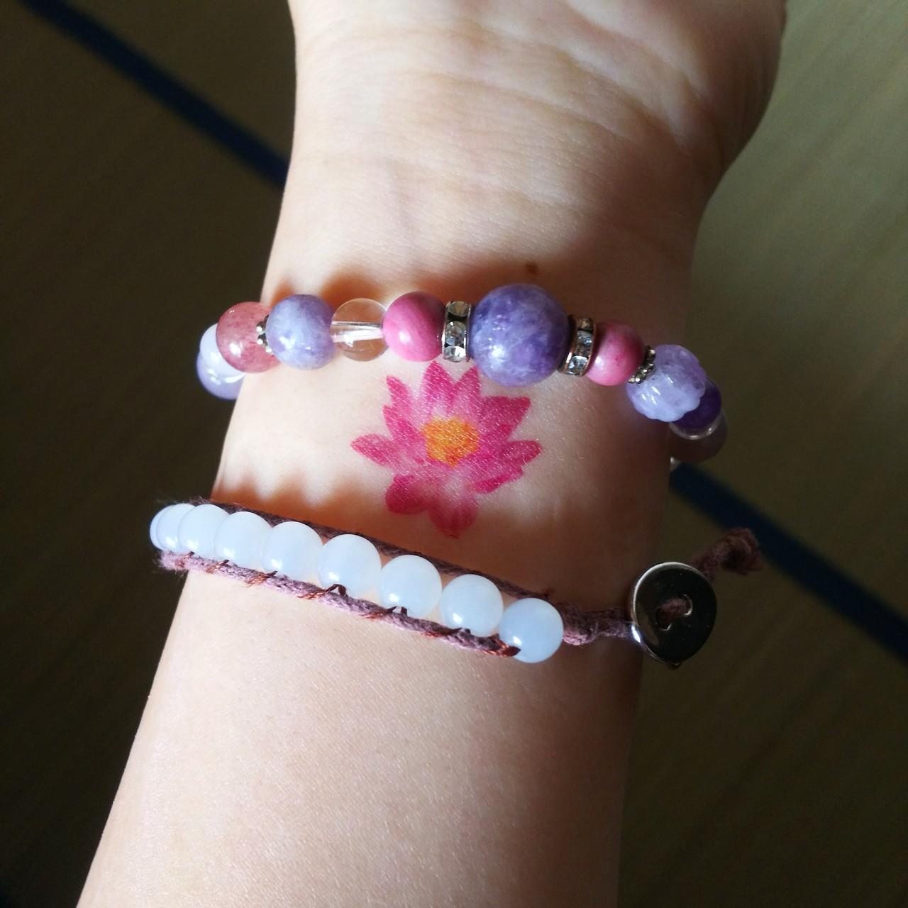 蓮が好きすぎて タトゥー買っちゃいました♥  大分取れたから近々また貼る(`・ω・´)✨