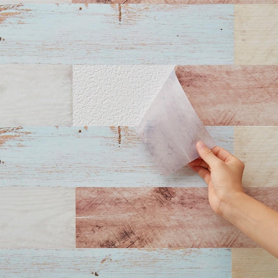 貼ってはがせる壁紙 パネルタイプ で賃貸 初心者でも簡単にお部屋を