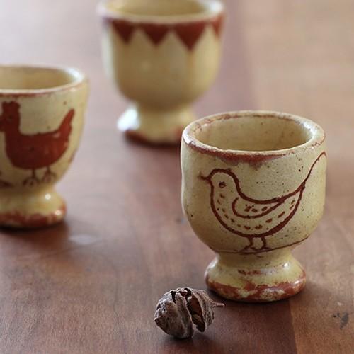 素朴な可愛さがたまらない、百年前の北欧エッグカップ