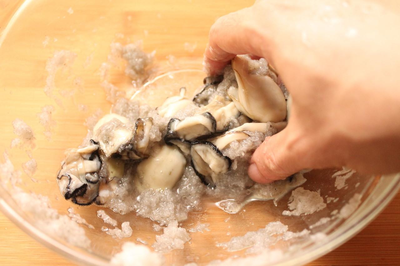 牡蠣 洗い 方 【みんなが作ってる】 牡蠣 洗い方のレシピ