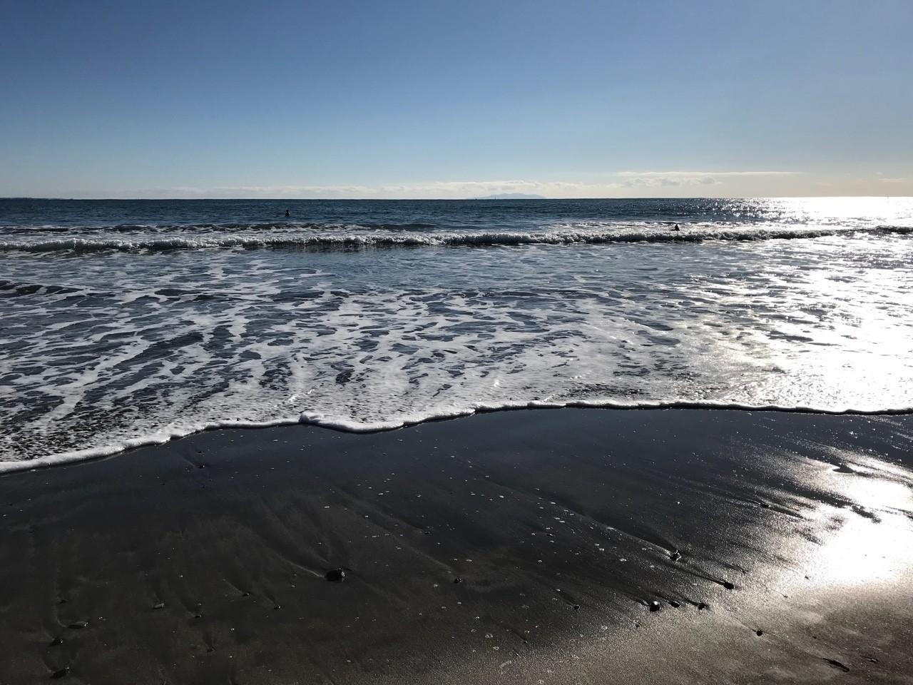 風はやはり冷たかった海辺