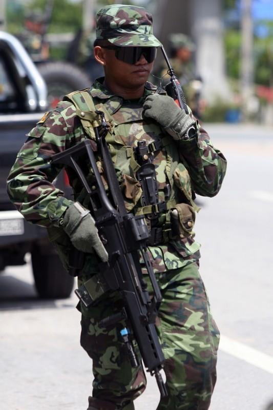 そこにいればいつでも出会えるテロ Chapter 1 陸軍分隊を従軍取材① ...
