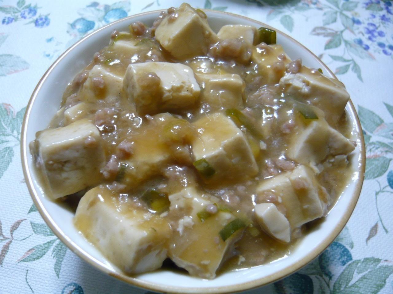 今日はマーボー豆腐丼!寒い日はトロミの付いた料理が美味しいです♪