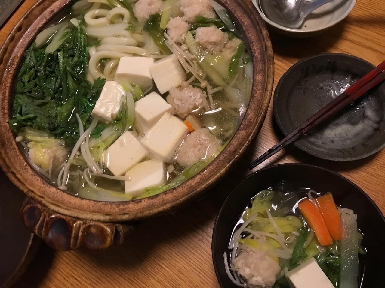 塩タラと海老と豚ひきで団子作ってうどんすき、あちちです(°▽°)
