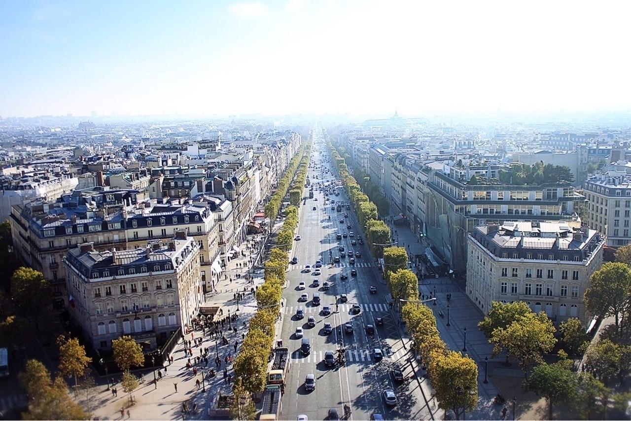 『生きる価値がないなんて、寂しいこと言うなよ。   この世には、あなたが知らないことがいっぱいある。   あなたが知らない人、あなたが知らない景色で溢れてる。  今のあなたの狭い世界で、すべてを決めるのは早すぎるよ。』  #写真 #カメラ #ポエム #詩 #フランス #パリ