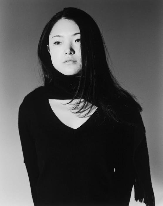わたしは2001年から2016年まで荒木氏のモデルを務めていました。その間、私たちの関係は、完全に写真家とモデルで、恋人関係ではありませんでした。