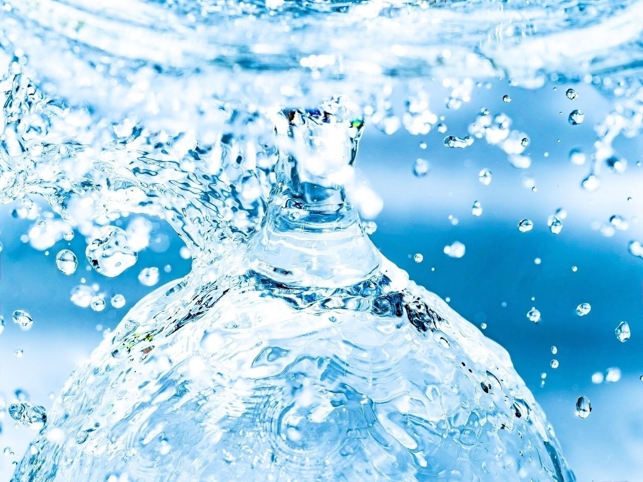 Drop of water #水滴 #写真