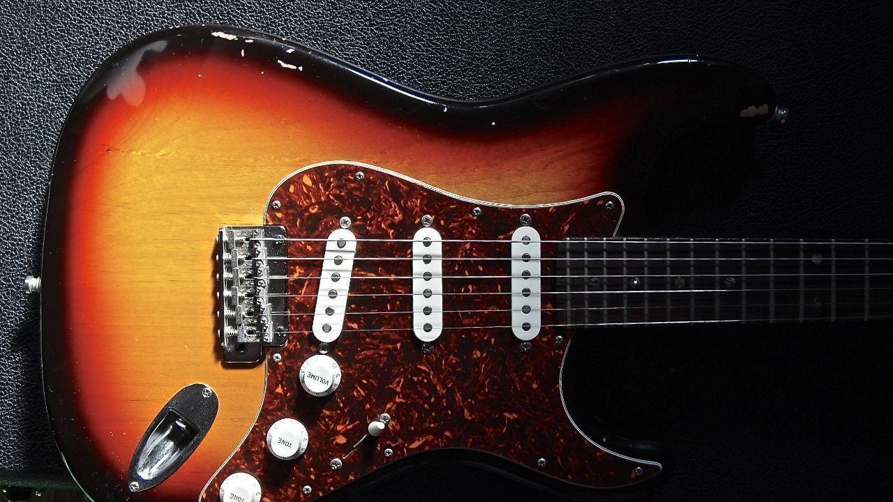 ギター。ストラトキャスター。