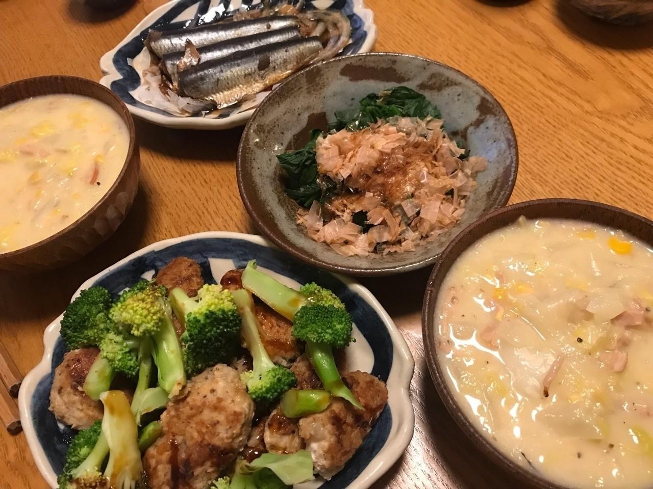 白菜コーンスープとレンコンつみれ、鰯の煮たのとほうれん草ポン酢の晩ごはん(◯▽◯)/