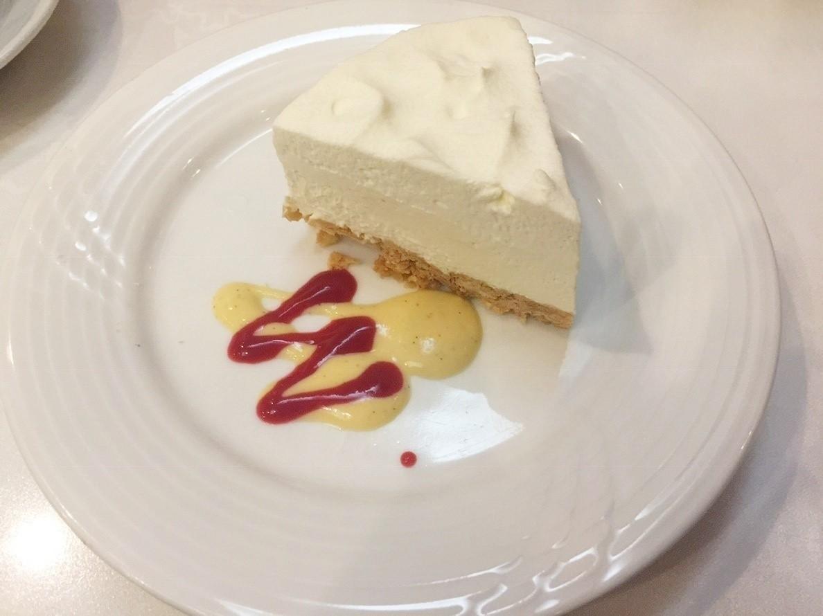 絶品レアチーズケーキ